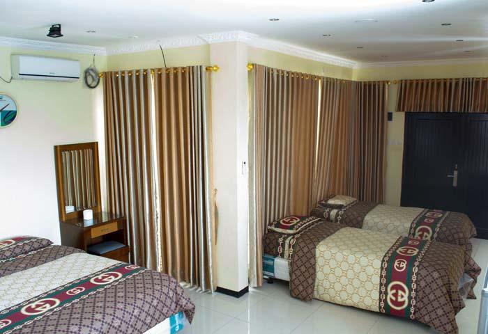 Family Room Villa Kaca